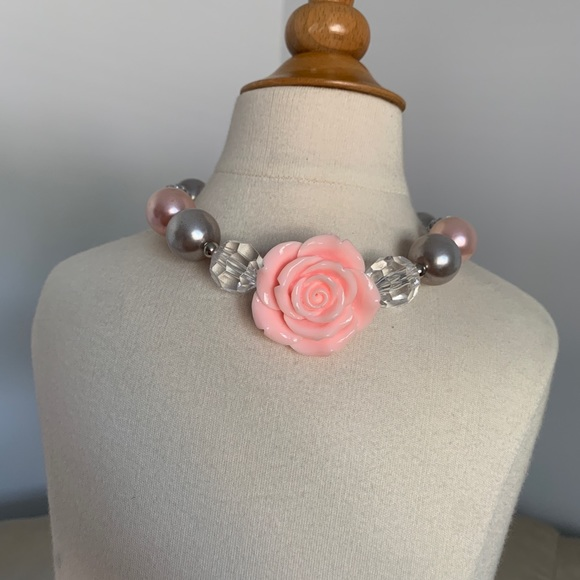Other - Chunky Beaded Bubblegum Girl necklace Pink Pearl
